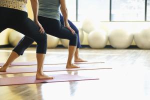 yogafeetwarriorpose